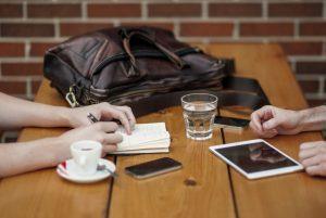 talk people-apple-iphone-writing-large